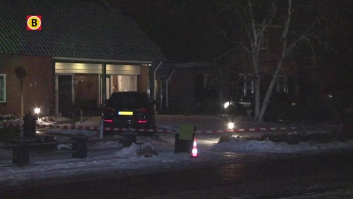 De bewoners van een huis aan de Oude Kerkstraat in Wijk en Aalburg zijn woensdagavond overvallen