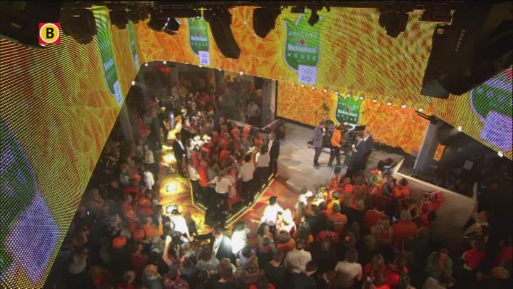 Ireen Wüst wordt na haar zilveren plak op de 1000 meter gehuldigd in het Holland Heineken House