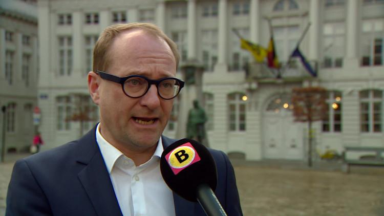 Vlaams minister Ben Weyts van dierenwelzijn roept Nederlandse overheid op beter samen te werken en harder op te treden tegen malafide puppyhandelaren