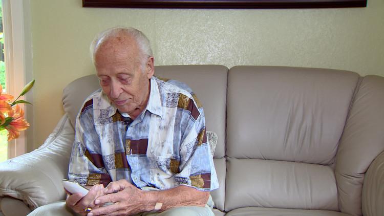 Vrijwilligers van de Zilverlijn maken praatje met eenzame ouderen