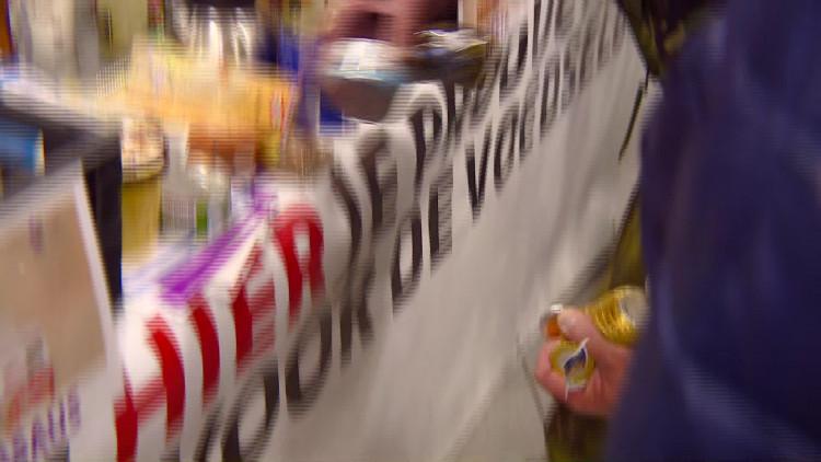 """Zoveel producten in de boodschappentassen """"Ik moet met de fiets in de supermarkt komen"""""""