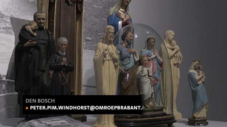 Verspijkerd en Verzaagd is een expositie met kunst waarin heiligengbeelden zijn gebruikt