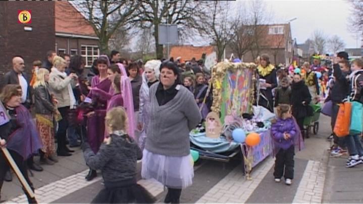 Zaterdag: Optocht Lage Zwaluwe (Biesboschrakkersrijk)