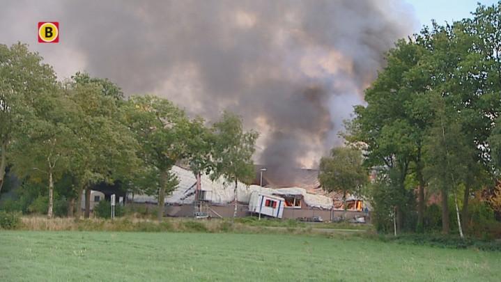 Grote brand Oirschot verwoest bouwbedrijf Smits