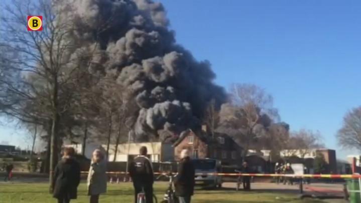 17:30 - Grote brand op Industriepark Vliedberg in Vlijmen onder controle