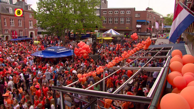 Koningsdag 2014: de Markt in Eindhoven staat bomvol