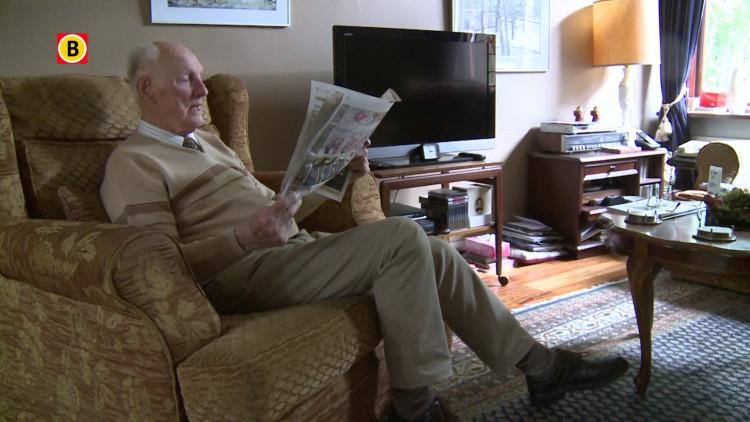 Opa (93) van Robin van Persie doet mee aan de hype #persieing