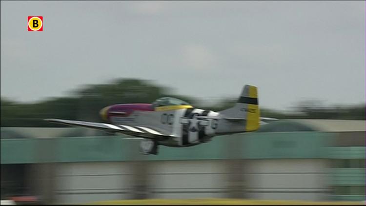 Mustang P-51 demo op Luchtmachtdagen Gilze-Rijen 2014