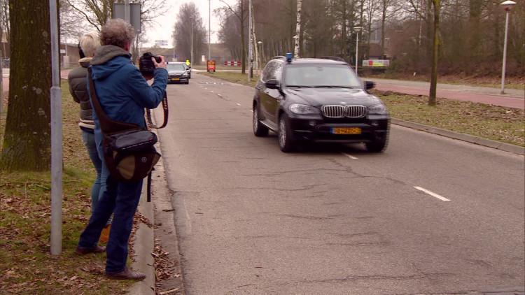 Geert Wilders komt aan bij AZC De Orangerie in Eindhoven voor werkbezoek
