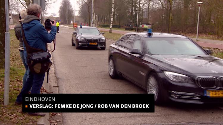 Geert Wilders praat met Eindhovense omwonenden azc: 'Veel oprechte zorgen'