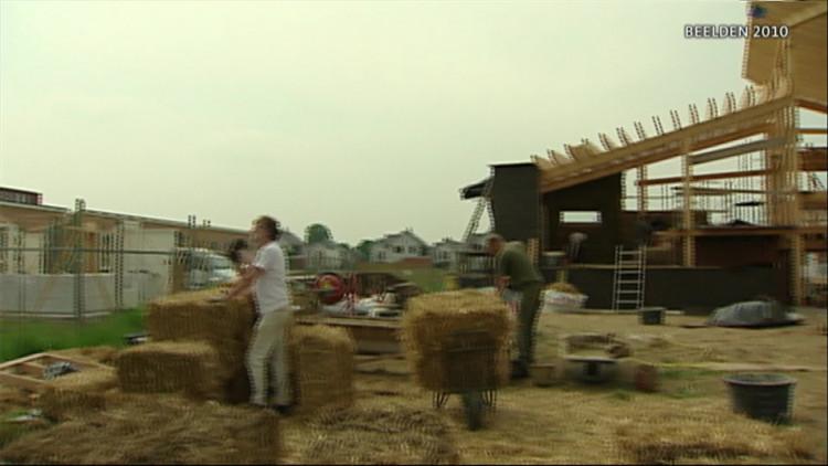 Huizen van stro en leem populair