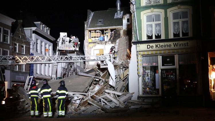 Gebouw ingestort aan de Markt in Den Bosch: hulpdiensten druk bezig