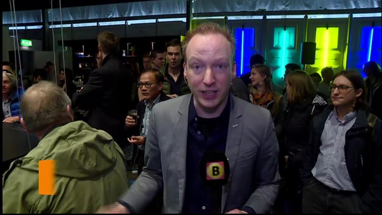 Drone vervangt barman in pop-up dronecafé Technische Universiteit Eindhoven