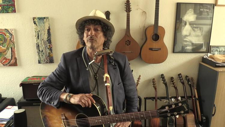 Jacques Mees  klinkt als Bob Dylan en gaat op tour in de VS