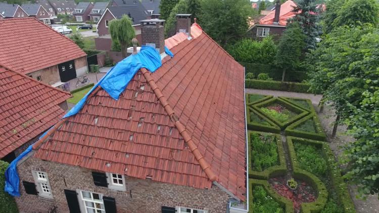 Zo ziet de schade in Luyksgestel er vanuit de lucht uit