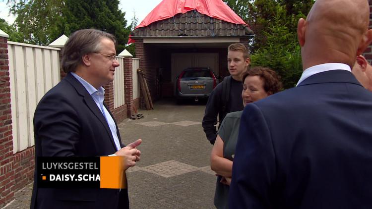 CvK Wim van de Donk bezoekt door noodweer getroffen Luyksgestel