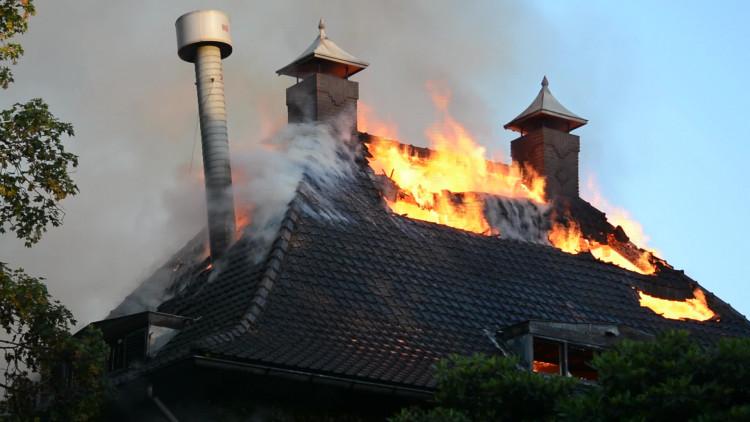 Monumentaal pand Geldrop uitgebrand na oefening
