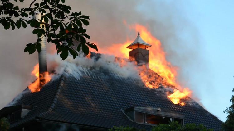 Brandweer legt zelf monumentaal pand Geldrop in de as tijdens oefening
