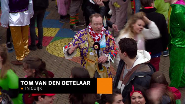 Hoe leid je 20.000 carnavalsvierders door de nauwe straatjes van Cuijk? Met een crowd control center