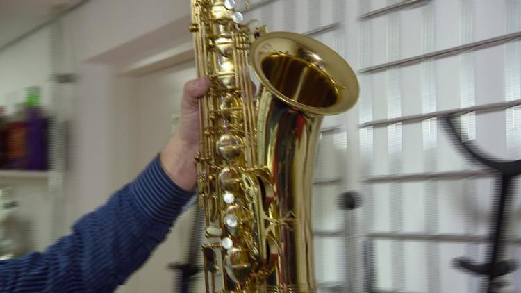 Kapotte muziekinstrumenten door ongelukjes tijdens carnaval
