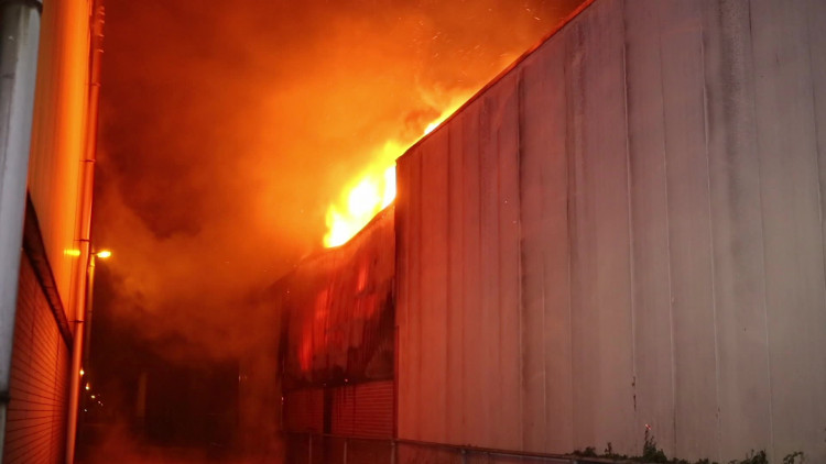 Bosch autobedrijf in vlammen opgegaan