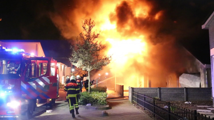 Buurtbewoners over de brand in de villa aan de Ouwer in Etten-Leur