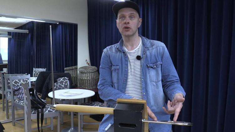 De Brabantse componiste Joke van Dal schreef een compositie voor de bijzondere combinatie van theremin en harp