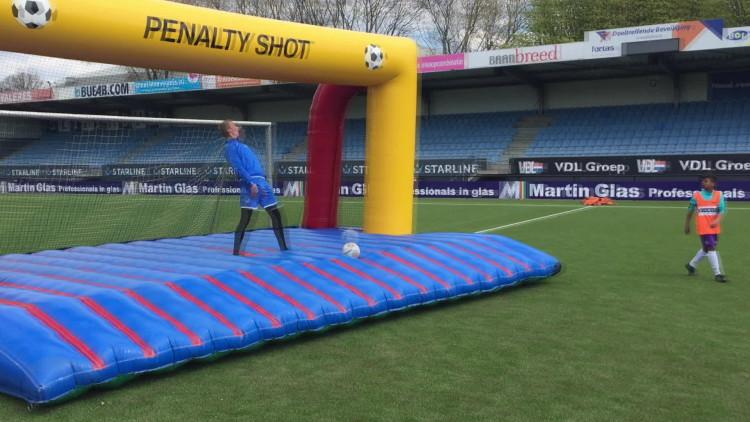 FC Eindhoven-speler Maxime Gunst op speciale Koningsspelen
