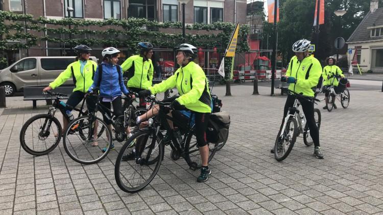 'Van Gogh-kerk' in nood: Fransen fietsen voor hulp naar Zundert