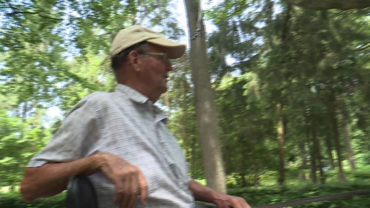 Wandelaars en natuurliefhebbers houden de bossen goed in de gaten