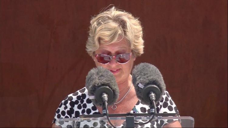 Indrukwekkende herdenking voor MH17-slachtoffers bij het nieuwe herdenkingsbos in Vijfhuizen