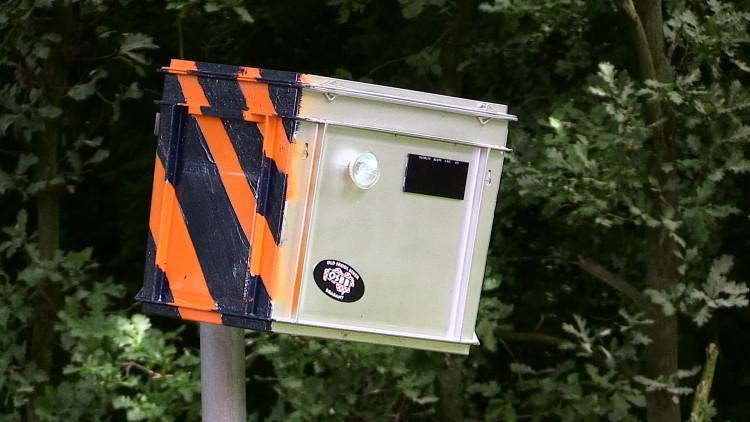 Milieubox 'flitst' snelheidsduivels in Breda