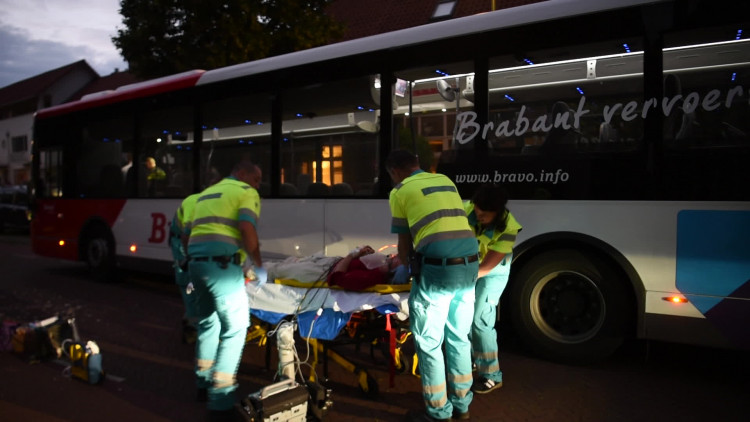 Fietster in Eindhoven aangereden door stadsbus