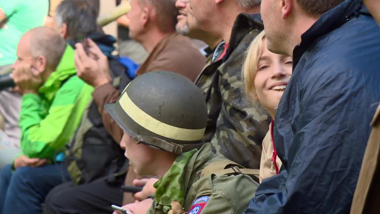 'Geallieerden' terug in Nederland: slag om bevrijding nagespeeld