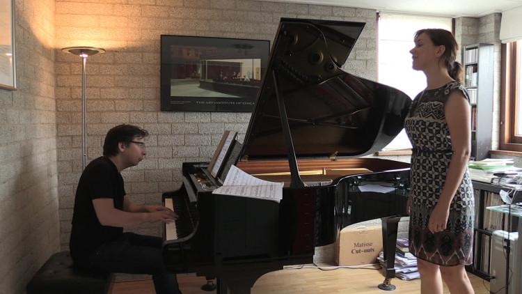 Brabantse zangeres traint voor het Internationaal Vocalisten Concours