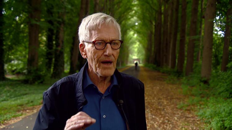 Koos Kluijtmans werd als kind in elkaar geslagen, omdat zijn vader bekend stond als NSB'er