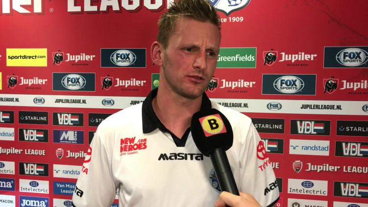 Jens van Son gaat een foto laten maken van z'n gezwollen hand: 'Ik ben geen dokter, maar hij knakt af en toe'