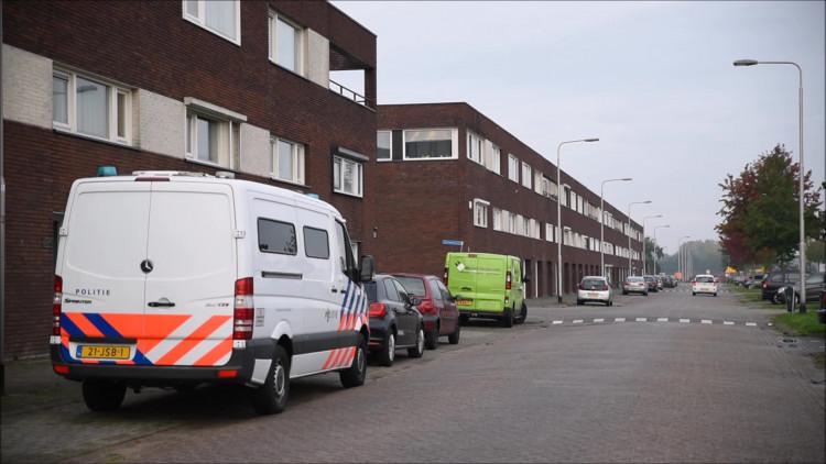 Beelden van de inval aan de Schipluidenlaan in Tilburg