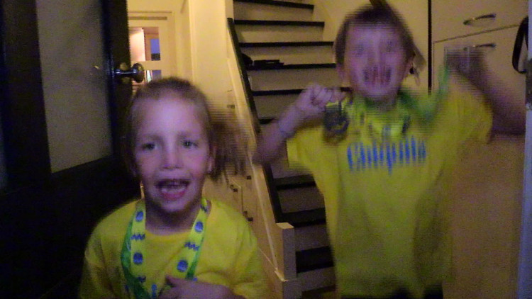 Marathonlopertjes Puck en Luke bedolven onder reacties.