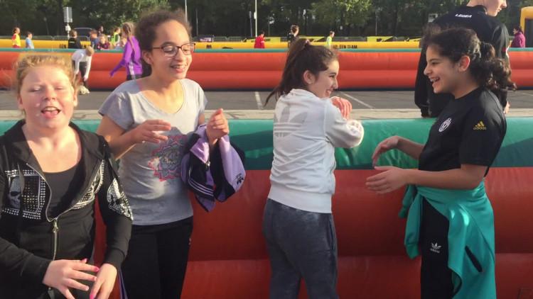 Enthousiaste kinderen bij NAC Street League