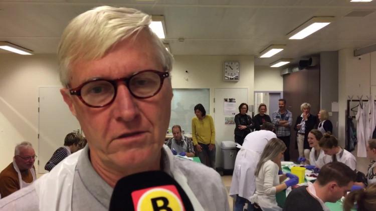 Snijden in een varkenshart in het Catharina Ziekenhuis