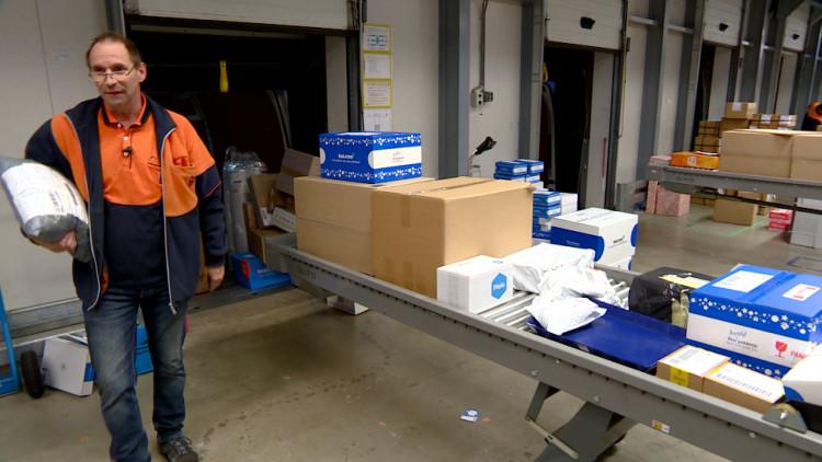 60.000 pakketjes te sorteren, gekkenhuis bij PostNL