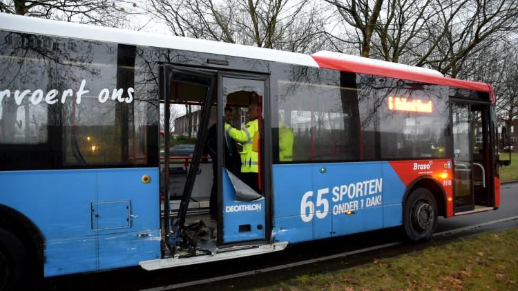 Aanrijding met stadsbus in Tilburg