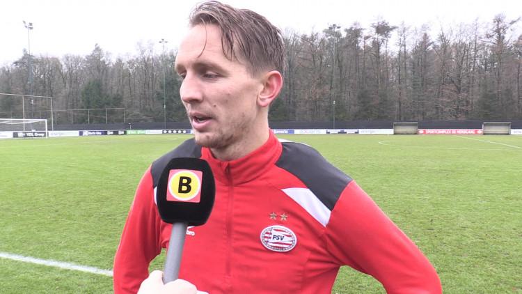 Geen gebaartjes van Luuk de Jong na een PSV-doelpunt