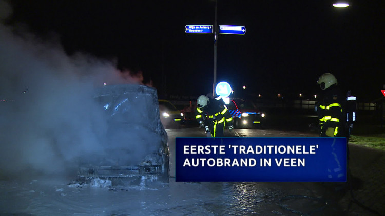 Eerste 'traditionele' autobrand in Veen