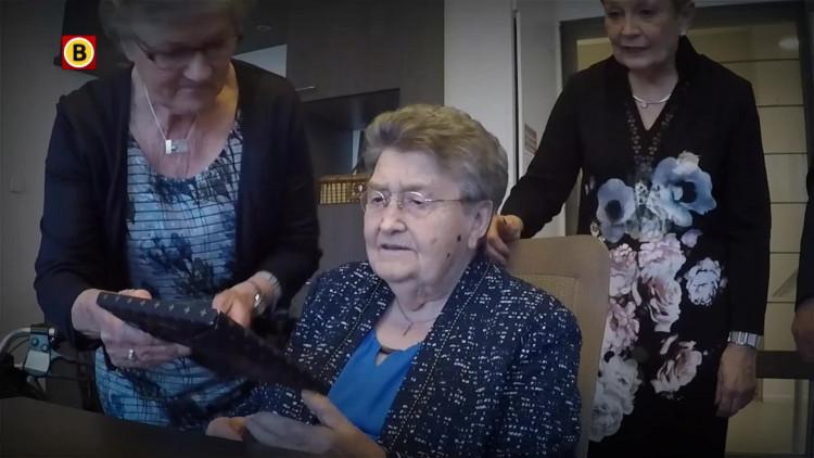 100-jarige Riet krijgt bijzonder cadeau vanuit Australië