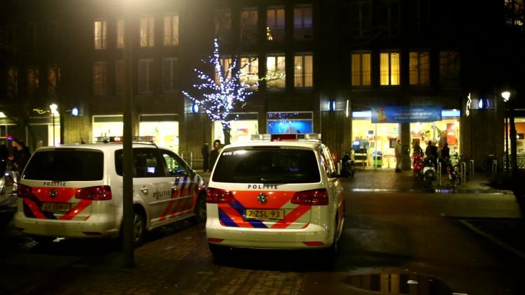 Overvaller bedreigt medewerker van Albert Heijn met mes en vlucht met geld