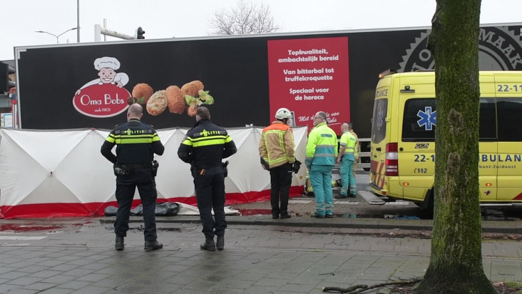 Vrouw overleden na aanrijding in Eindhoven
