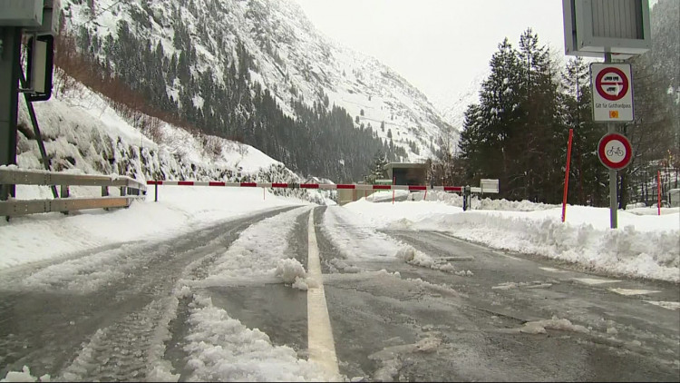 Albert Beijers uit Dongen zat vast in de sneeuw in Zwitersland, maar werd gered met helikopter