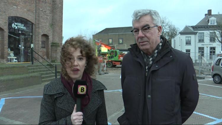 'We denken dat er spullen in zitten uit 1945: krantenartikelen, foto's of munten...', wethouder Ed Mathijssen over de zoektocht naar een koker in Sint-Michielsgestel